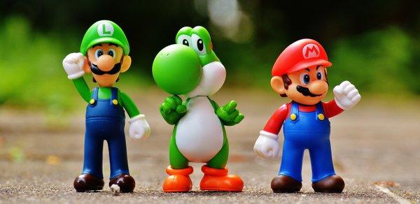 Figurines Luigi et Super Mario Bros